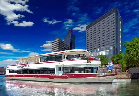 多瑙河圆舞曲套餐:多瑙河水上巡游 & 音乐会