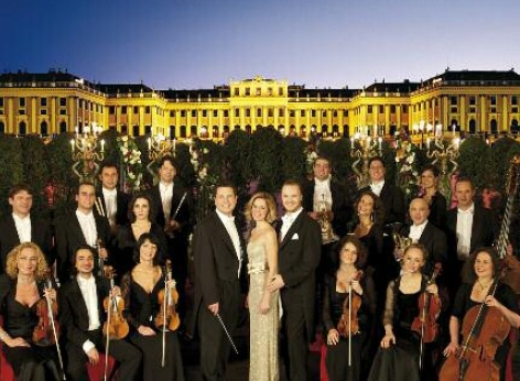 The Schoenbrunn Palace Orchestra in front of Schoenbrunn Palace Vienna