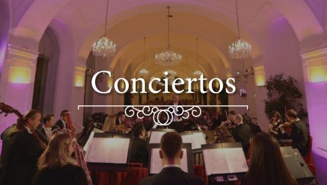 Imagen de la orquesta en un concierto clásico en la Orangerie Schönbrunn de Viena