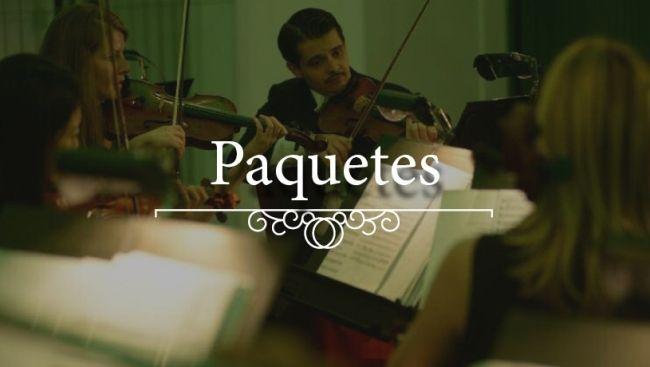 Una imagen de los instrumentos de arco, hojas de música y otros solistas de la orquesta del Palacio Schönbrunn