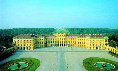 http://www.imagevienna.com/images/schoenbrunn.jpg